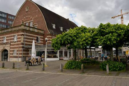 Kiel-Cafe-Fruehstueck - Kiel der alte mann