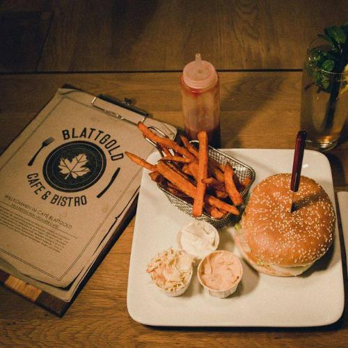 Kiel-Cafe-Fruehstueck - blattgold kiel burger cafe