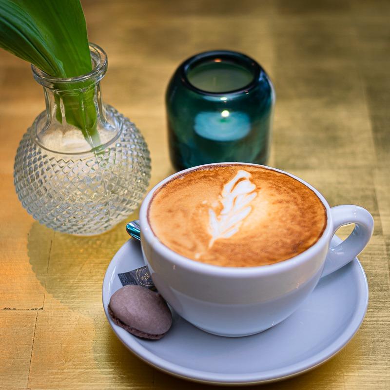 HUNDERT - hundert cafe kiel haveli 6